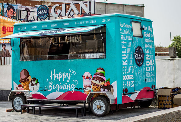 Attractive food truck wraps and decals